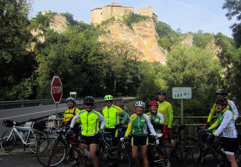 Les châteaux de Bruniquel, sont perchés sur un éperon rocheux dominant les vallées de l'Aveyron et de la Vère.