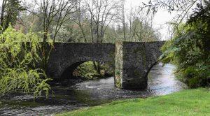 Le Pont de Lasveyras sur l'Auvézère, entre Payzac et Ségur le Château.