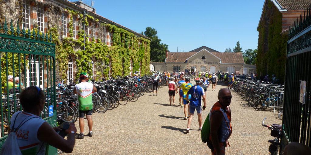 Parking à vélos sur le site du pique nique