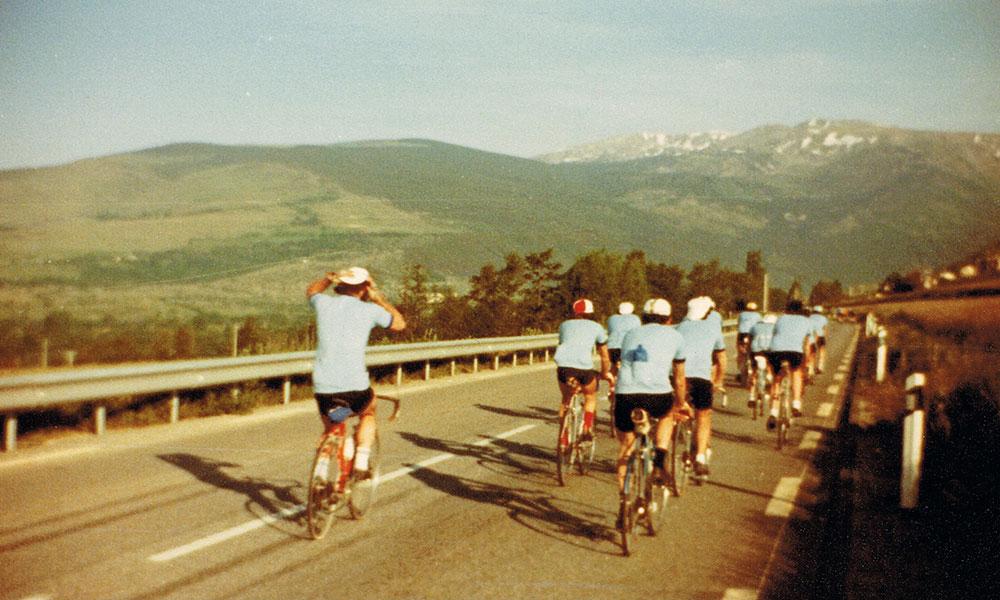 """Le groupe du C.R.Briviste lors de la randonnée de la Vallée de l'Aude """"Carcassonne – Font Romeu """""""